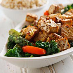 Peppery cubes of tofu top tender-crisp vegetables with the lightest of garlic sauces in this vegan Thai dish. #foodgawker: Thai Tofu, Tofu Recipes, Vegan Recipes, Food, Tofu Dish, Black Pepper