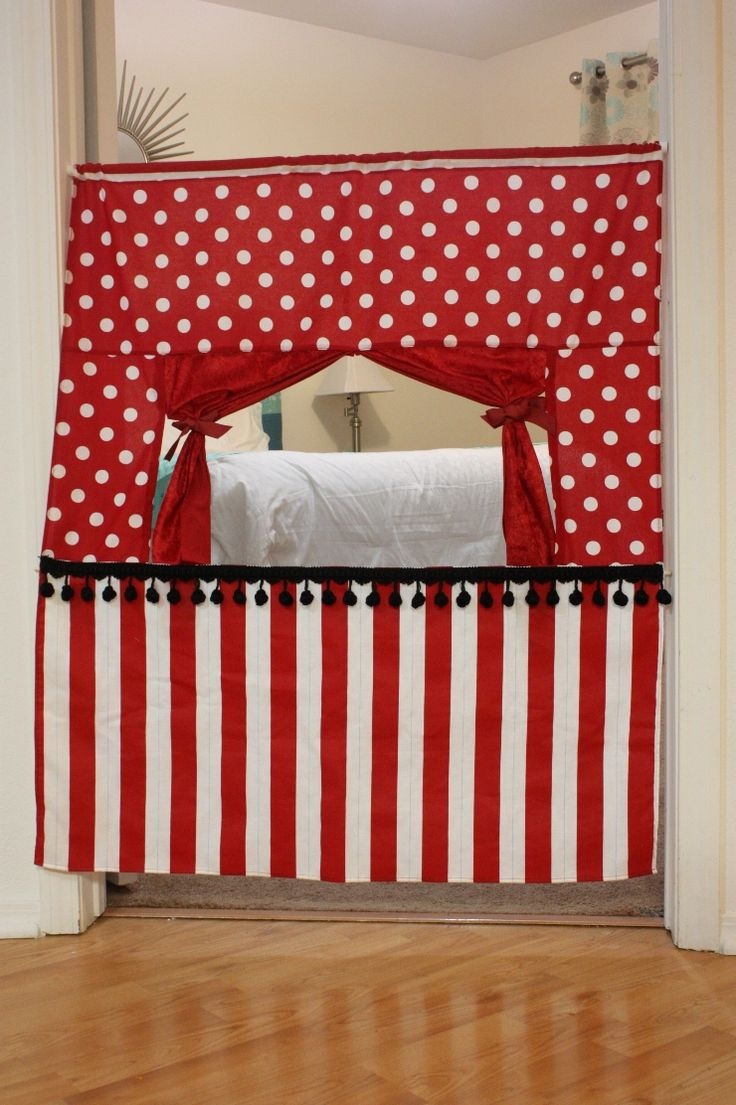 Puppet show doorwaySewing, Ideas, Puppets Theater, Puppets Theatres, Kids, Christmas Gift, Crafty Cupboards, Crafts, Doorway Puppets