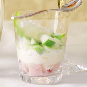 Een amuse is een zeer klein gerecht (of minihapje) ter bevordering van de spijsvertering en om de smaakpapillen op gang te brengen. Drie tongstrelende amuses uit de Allerhande.