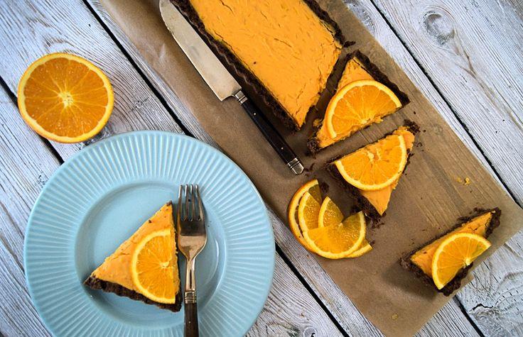 szczypta smaQ: Pomarańczowa tarta z batatów na jaglanym spodzie