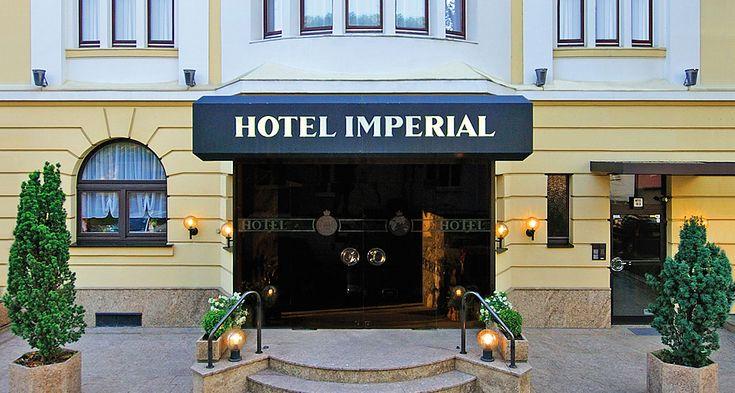 Herrenhaus 12 Jahrhundert Modernen Hotel. Das Wunderschöne