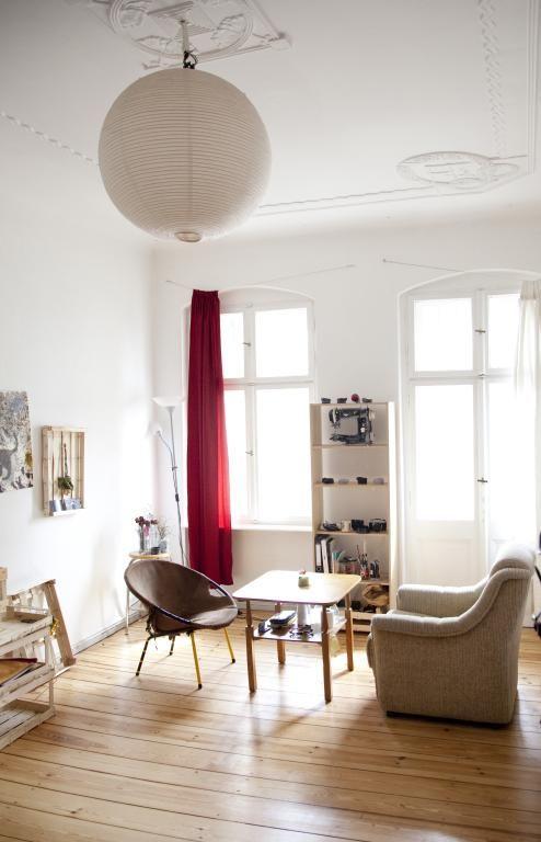 die besten 25 wg zimmer berlin ideen auf pinterest wg in berlin 1 zimmer wohnung berlin und. Black Bedroom Furniture Sets. Home Design Ideas