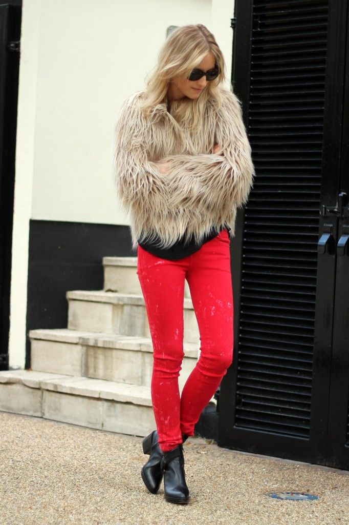 Red jeans!: Fur Coats, Fur Jackets, Red Skinny, Red Jeans, Human Jeans, Fur Vests, Alexander Wang, Red Bottom, Red Pants