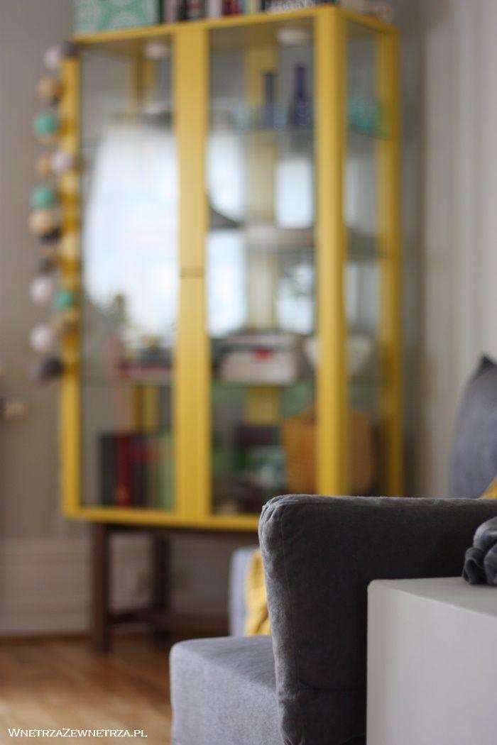 Wnętrza Zewnętrza: Nowe kolory w salonie