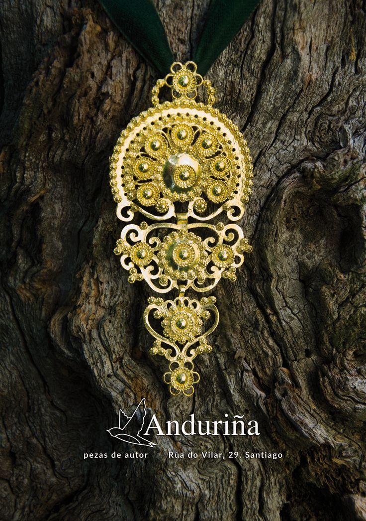 #jewelery #gold #silver #aderezo #traxegalego #mirandapriestly #coralia #santiagodecompostela #galicia