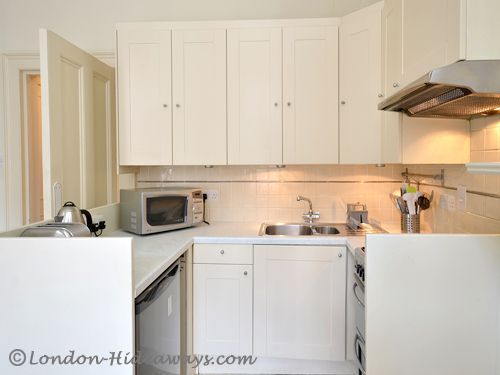 Kitchen facilities - Fridge, Microwave ,Oven ,Gas, burners ,Percolator ,Kettle ,Hob ,fan, Toaster, Dinnerware and cookware provided