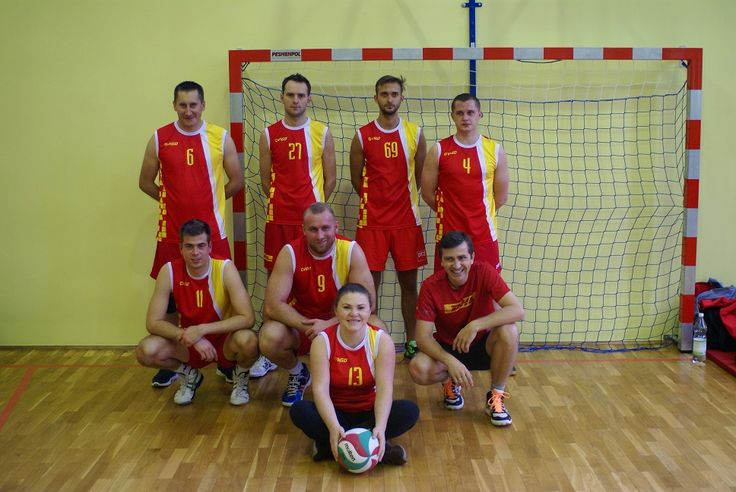 Zwycięska drużyna w turnieju Wigilia Pełna Prezentów #DHL #DHLWarriors #DHLPoland #Voleyball #Piaseczno http://mojepiaseczno.pl