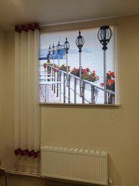 Рулонные шторы с фотопечатью и штора на люверсах для парикмахерской.
