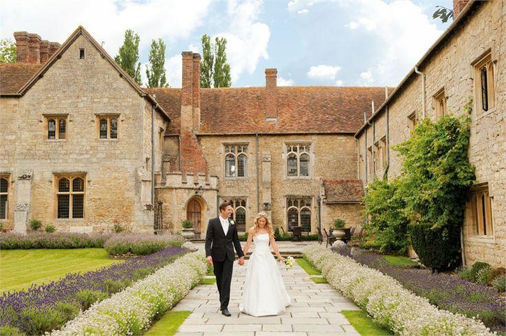 Bijou Weddings - Notley Abbey.