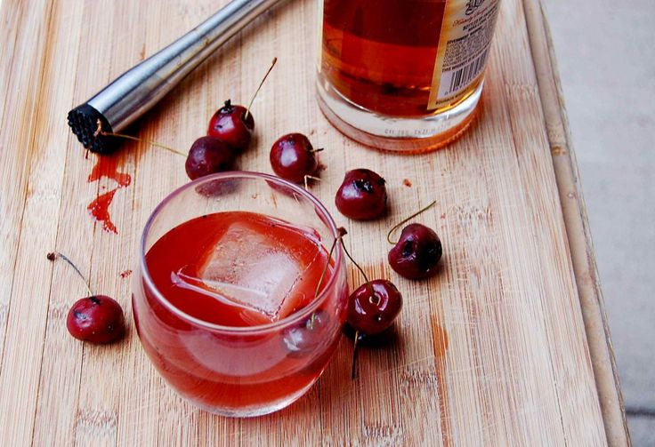 ALL DAY LONG!  Grilled Cherry Old Fashioned: Sharks Week Drinks, Drinki Drinks, Cheer, Adult Beverages, 10Th Kitchens, Grilled Cherries Old Fashion, Www 10Thkitchen Com, Cocktails Recipes, Cocktails Posts