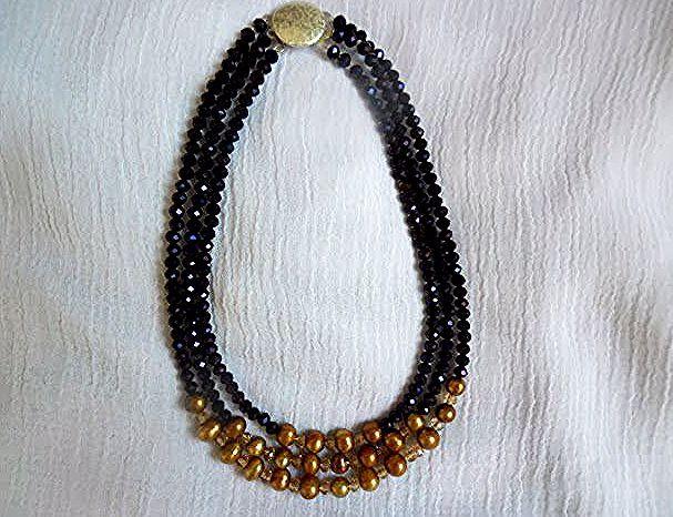 Mrs Mango For Accessories نموذج 994 عقد Model 994 Necklace عقد من اللؤلؤ الطبيعي الذهبي والكريستال البنفسجي و Beaded Necklace Beaded Bracelets Necklace