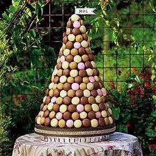 Yum!: Macaroons Wedding Cakes, Idea, Brown Wedding Cakes, Macaron Towers, French Macaroons, Macaroons Cakes, Macaroons Trees, Desserts Tables, French Style