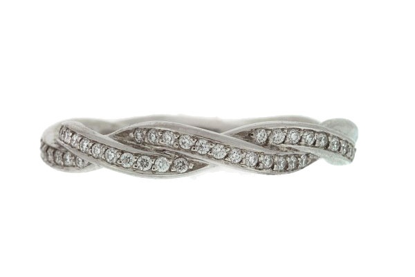 Twisty wedding band.....this is what I've been trying to find!!