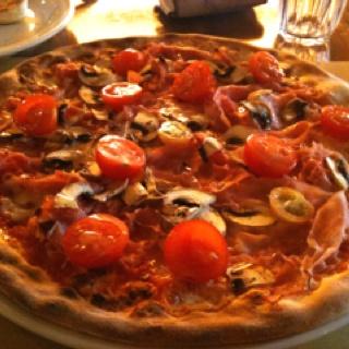 Italian pizza the Italian way