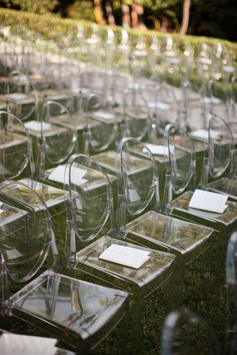 The transparent nature of the lucidite chair works fabulously for the outdoor ceremony