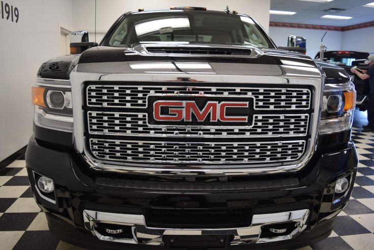 New 2018 GMC Sierra 2500HD Crew Cab Standard Box 4-Wheel Drive Denali G8122 | Find Diesel Trucks | Diesel Sellerz