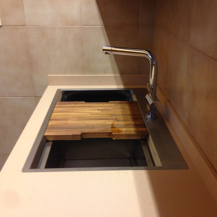 Piano #cucina in #lapitec Sahara finitura Vesuvio realizzato da CLM marmi. Siamo #distributorilapitec per il centro Italia #kitchen #design #arredamento