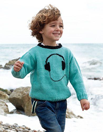 Met dit breipatroon ga je een stoere jongenstrui breien. Deze trui is versierd met borduursel. Erg leuk voor de kerst als cadeau. Kijk snel verder.