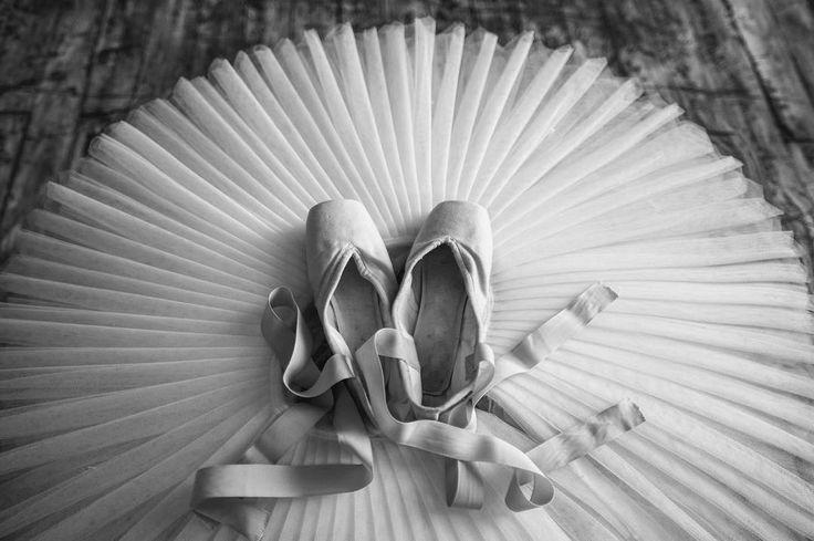 "Hi Instagram next 2 days I'm going to operate @offsetimages blog where my ballet photos and some new stories will be published keep in touch /// ""Привет Инстаграм следующие 2 дня я буду вести блог @offsetimages где будут опубликованы мои балетные фотографии и небольшие истории к ним. Оставайтесь на связи"" #offsetartist by darianvolkova"