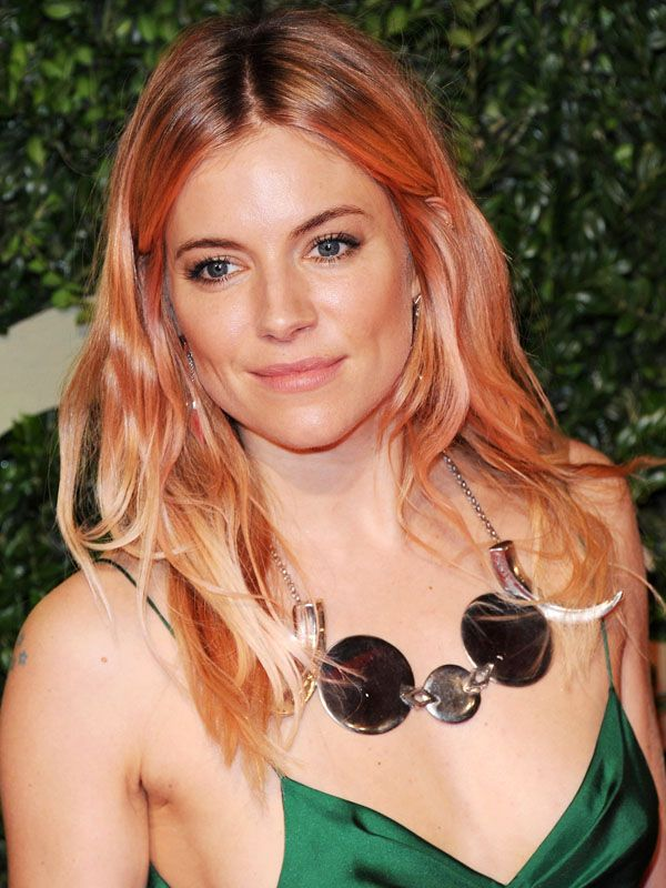 Sienna Miller pink hair British Fashion Awards 2013 Love Sienna Millers new rose gold hair colour? Heres how to get the look at home!