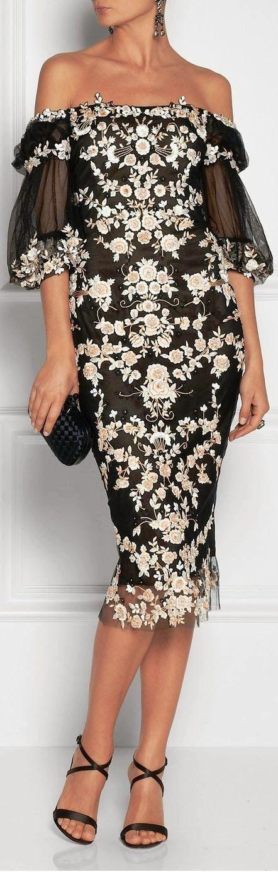 Gorgeous strapless floral lace dress fashion style