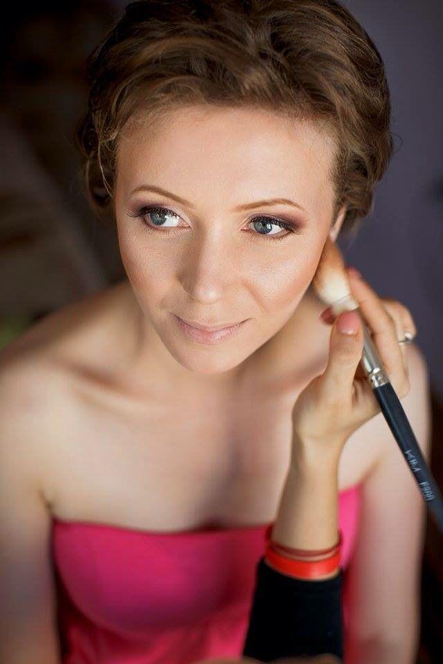 Cristina Negrariu Make-up Artist