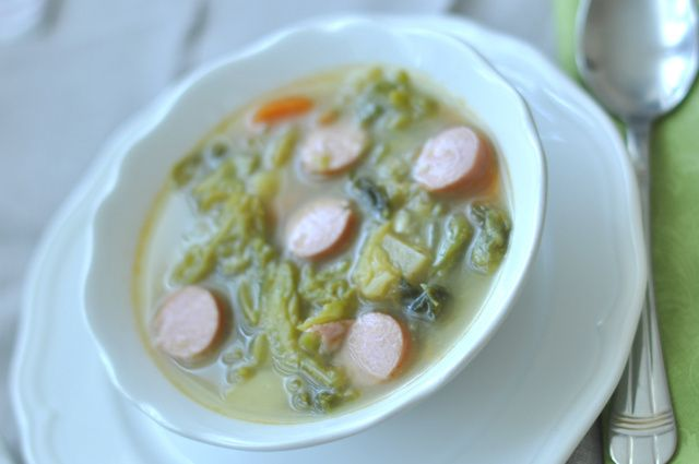 Kőbe vésett recept nincs, de egy jó frankfurti leves az nagyon jó. A mienk természetesen ilyen.