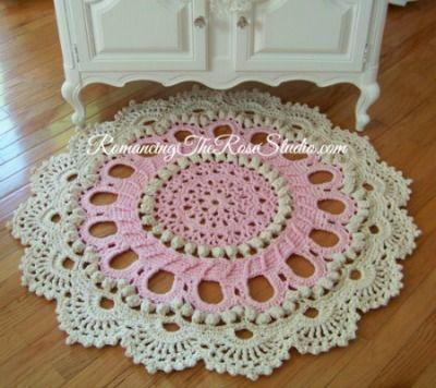 16 best crochet tee shirt rugs images on Pinterest | Crochet carpet ...