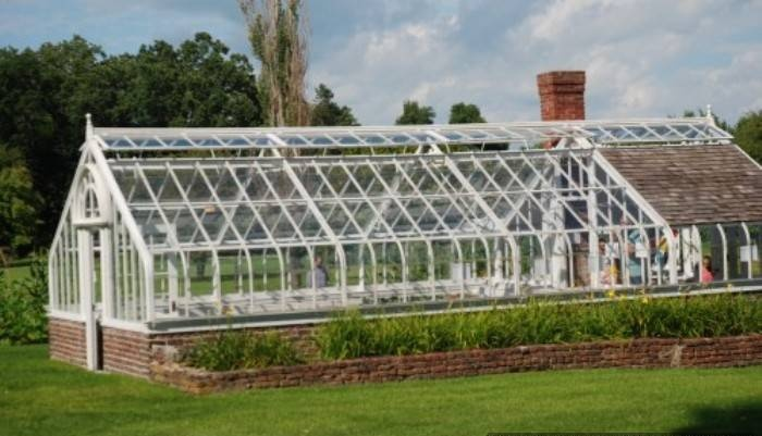 Would love to have Large Greenhouse like this one day possibly made out of old windows and thick plastic.