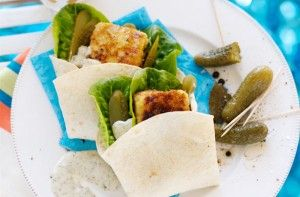 Fish burger wraps are so tasty, with white fish bundled into a wrap with lettuce, pickles and a little lemon and tartare sauce. Using wraps instead of burger buns cuts the carbs, but still lets all those lovely flavours come together.Get the recipe: Fish burger wraps