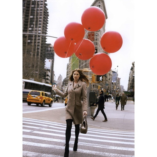 Tiffany & Co Ad Campaign Fall/Winter 2011 Shot #3 found on Polyvore: Fashion, Girl, Red Balloons, Nyc, Tiffany, Ad Campaigns, Doutzen Kroes, City