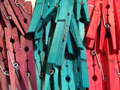 Dyeing clothespins with food colouring. Great DIY project for teachers!