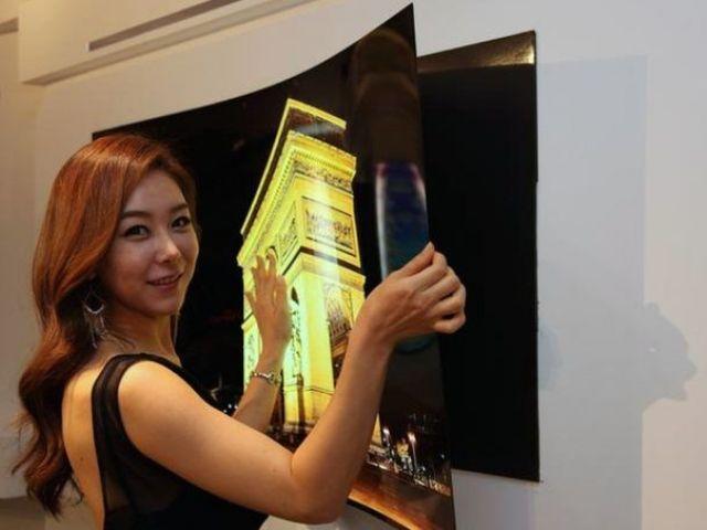 Nowy telewizor OLED firmy LG można zawiesić na ścianie za pomocą magnesów…
