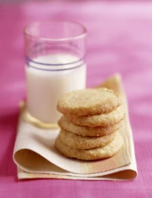 A simple shortbread cookie made with butter, powdered sugar, and flour. Shortbread recipe, an easy cookie to mix and bake.
