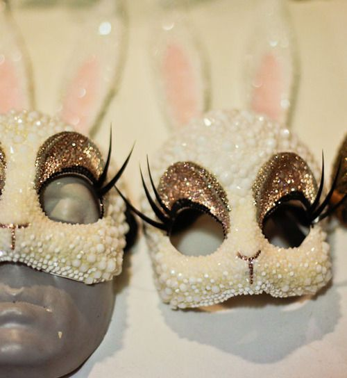 Glitter rabbit mask. This is so beautiful, I need to find a way to make something like this 0_0