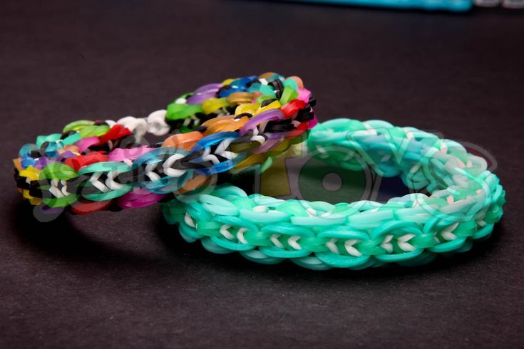 """The Mini Global bracelet was design by Suzanne H B - instagram @crazyjustmightwork. The mini Global is just the capped (double looped) variation of the Global rainbow loom bracelet, but this one twist(pun intended) make for a complete change in appearance.  The mini Global consist of 3 parts which include the links, inside regular and inside """"bump"""" bands. The """"bump"""" bands hold the links together and by doing so, they bump out a little bit."""
