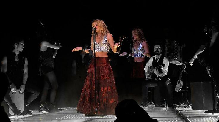 Novo álbum | Shakira Brasil
