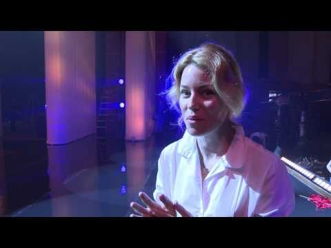 Behind The Scenes of Pitch Perfect 2: Opening Shot - YouTube