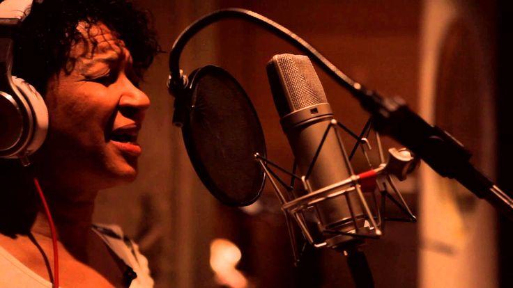 """Liked on Musics: Juçara Marçal - Encarnado - Ciranda do Aborto // Gravação de """"Ciranda do Aborto"""" (Kiko Dinucci) durante as sessões de """"Encarnado"""" disco de Juçara Marçal no estúdio El Rocha.  Juçara Marçal (voz) Kiko Dinucci (guitarra) Rodrigo Campos (cavaquinho) Thomas Rohrer (rabeca)  Produção Audiovisual: Doblechapa Cinematografia Direção e câmera: Caio Jobim Edição: Pablo Francischelli"""