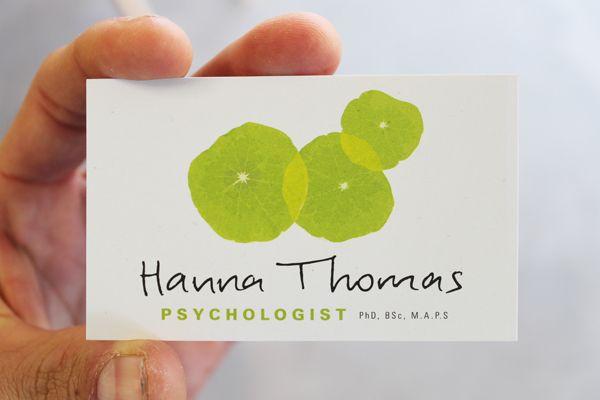 New logo for Psychologist Hanna Thomas.