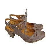 Zapatos de Salón tierra YOKONO $76.12