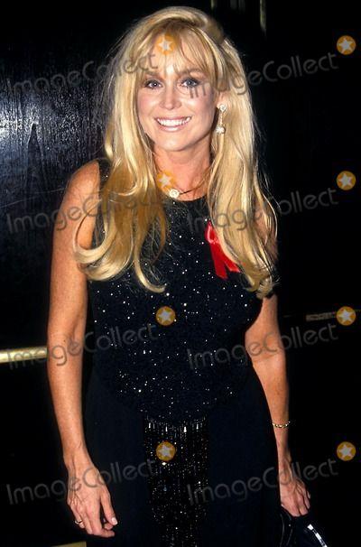 Catherine Hickland Picture - 1994 Daytime Emmy Awards 05251994 Photo Ed Geller Globe Photos Inc 1994 Catherine Hickland