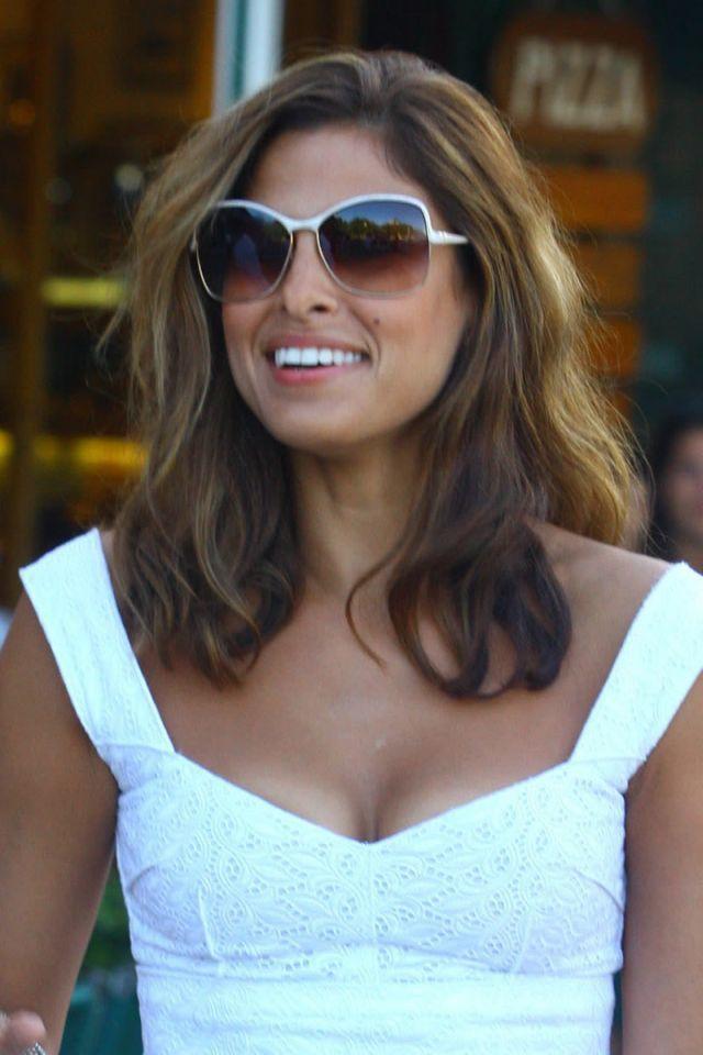 Eva Mendes In Italy 17 Pics Izismile Com Hair In