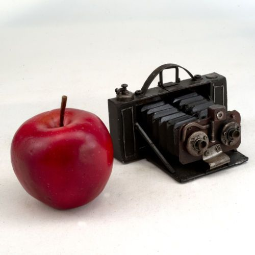 Found-art-stereo-film-camera-photography-pictures-decorative-art-ID-229