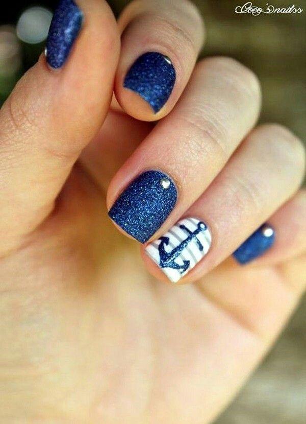Dark blue nautical nails with anchor