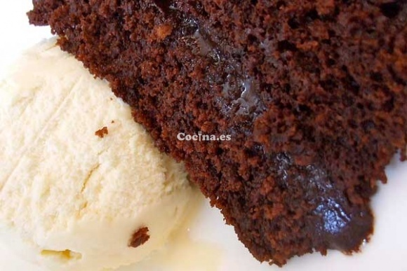 Torta de chocolate húmeda: http://torta-de-chocolate-humeda.recetascomidas.com/