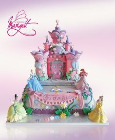 Torte castello e principesse della Disney, chi non vorrebbe tornare bambina di fronte a queste meravigliose creazioni di cake design?