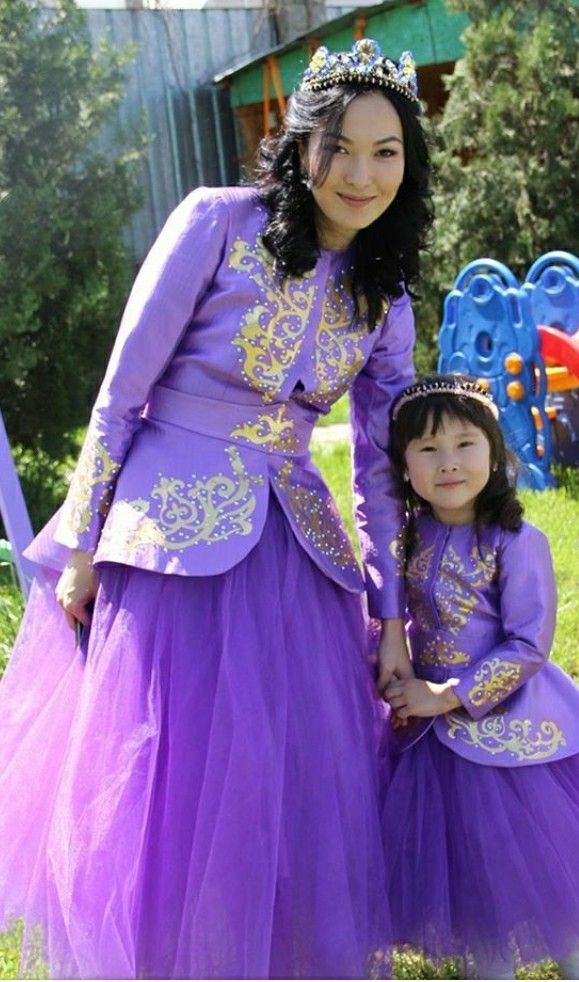 73cf0e0aff294c9 Pin by Sandu Alim. on платье мама и дочка   Платья, Мама