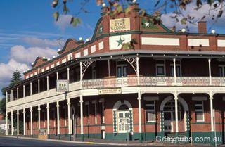 Former Star Lodge Hotel, Narrandera, NSW. Photo by Maureen.