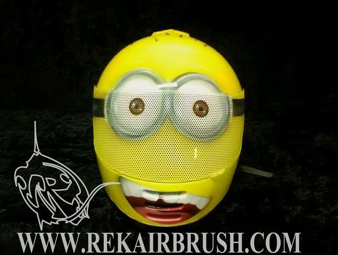 minions airbrushed motorcycle helmet